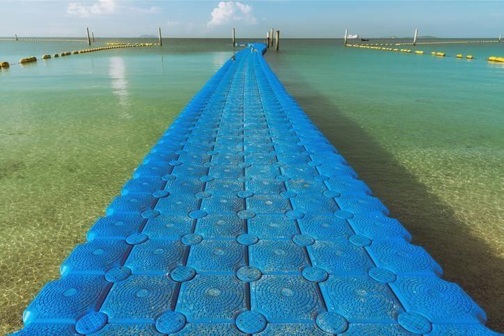 UHMW polyethylene dock