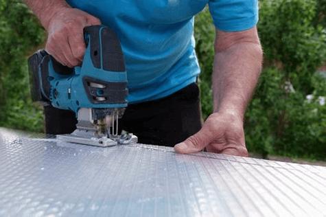 cutting polycarbonate siding
